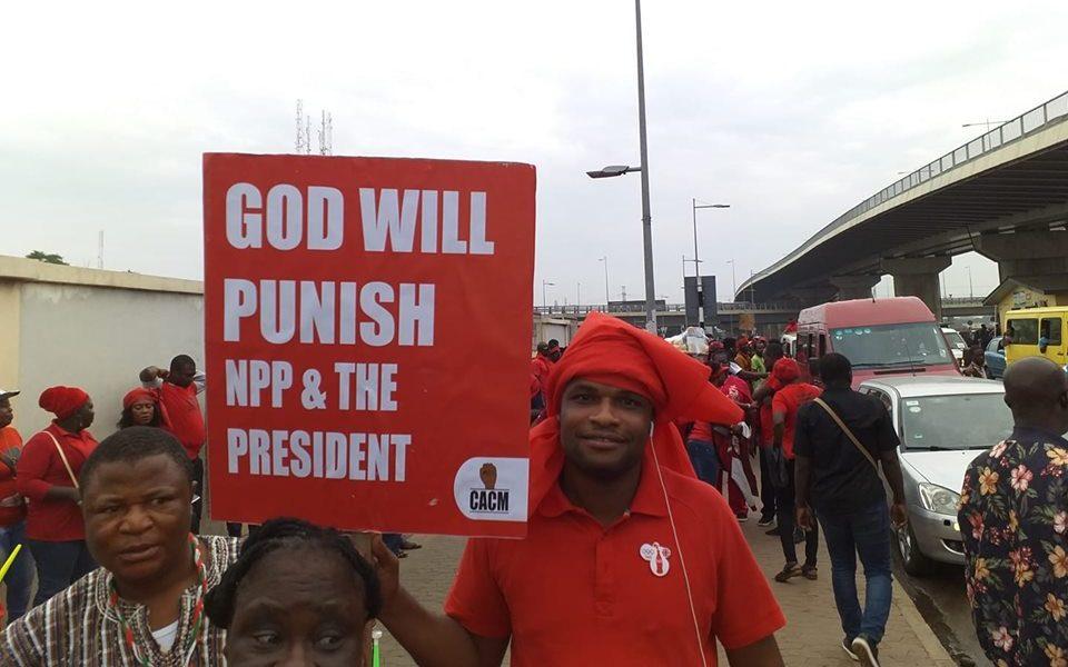 """God will punish NPP and the President"" – Kum Yen Preko demonstrators go wild [PHOTOS]"